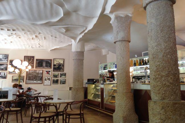 Trần thạch cao đẹp cho quán cafe  thi công thạch cao