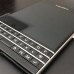 Mẫu máy BlackBerry Passport pháp được bán ở Thế Giới BlackBerry, mức giá hàng đầu Hà Nội