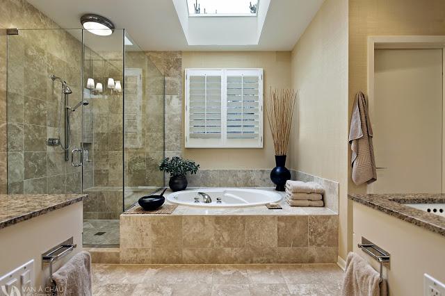 Làm trần thạch cao chống ẩm cho nhà vệ sinh