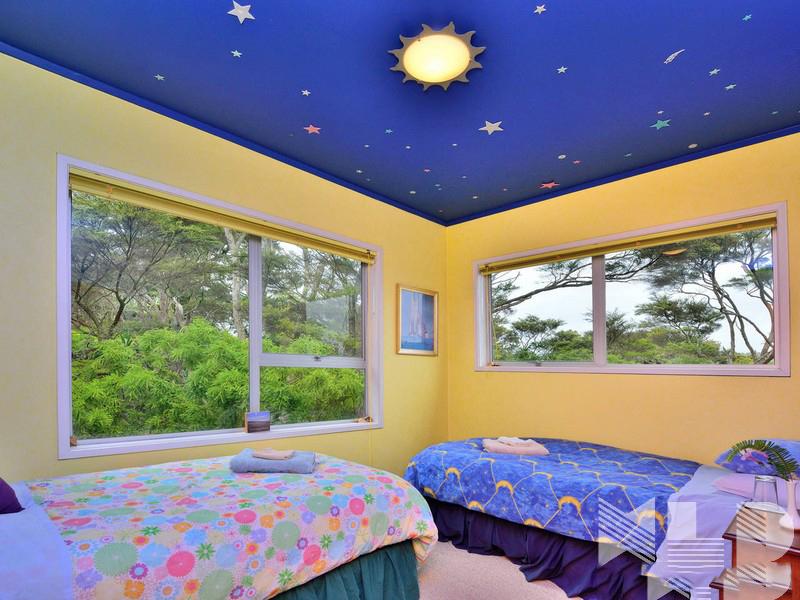 Làm trần thạch cao sinh động cho phòng ngủ bé. 3