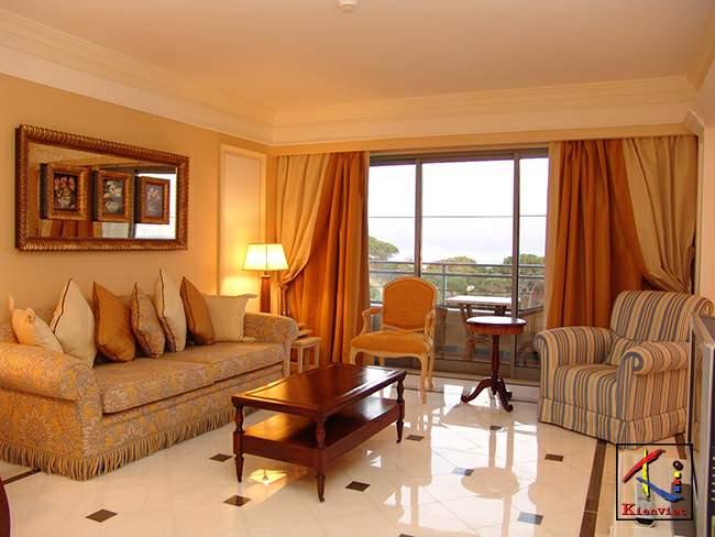 Thiết kế trần thạch cao cho phòng khách nhỏ đẹp