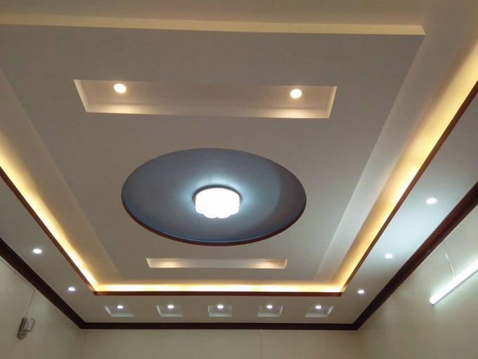 Thiết kế trần thạch cao nhà phố với hệ thống đèn led âm trần - 1